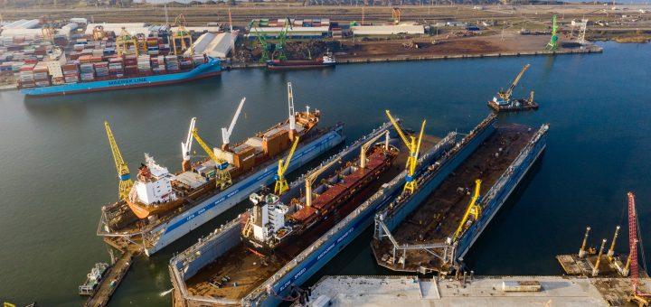 """AB """"Vakarų laivų gamykla"""" stiprina laivų remonto pajėgumus − eksploatacijai baigia ruošti antrąjį """"Panamax"""" tipo laivams skirtą doką"""