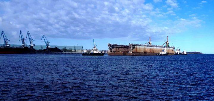 """AB """"Vakarų laivų gamykla"""" įmonių grupė darbui pradės ruošti antrą """"Panamax"""" tipo laivų remontui skirtą doką"""