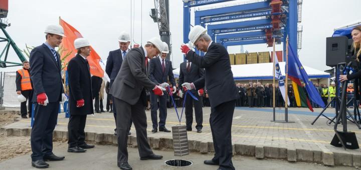 Tarptautinio konteinerių paskirstymo centro statybų pradžios kapsulės įkasimo ceremonija