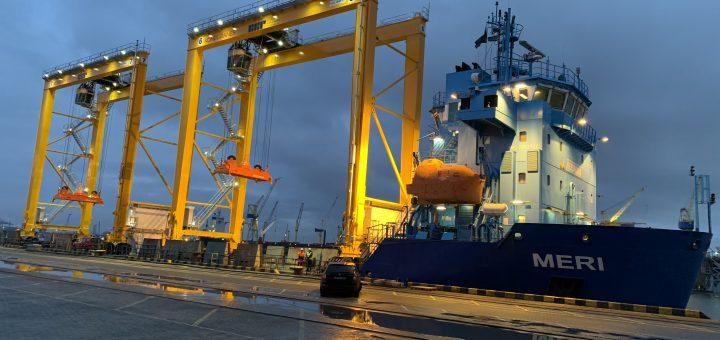 Į Klaipėdos Konteinerių Terminalą atvyko nauji RTG kranai