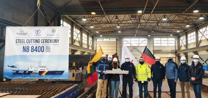 """""""Vakarų Baltijos laivų statykla"""" statys iš dalies įrengtą pakrančių apsaugos laivą"""